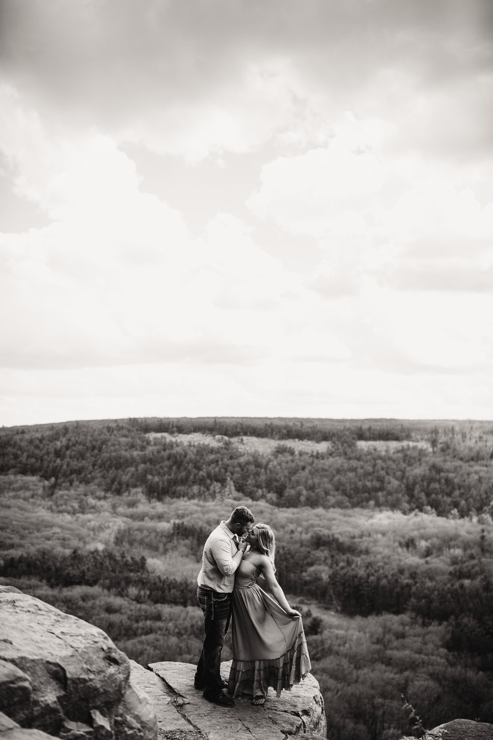gracetphotography-wedding-photographer-adventure-bride-engagement-15.jpg