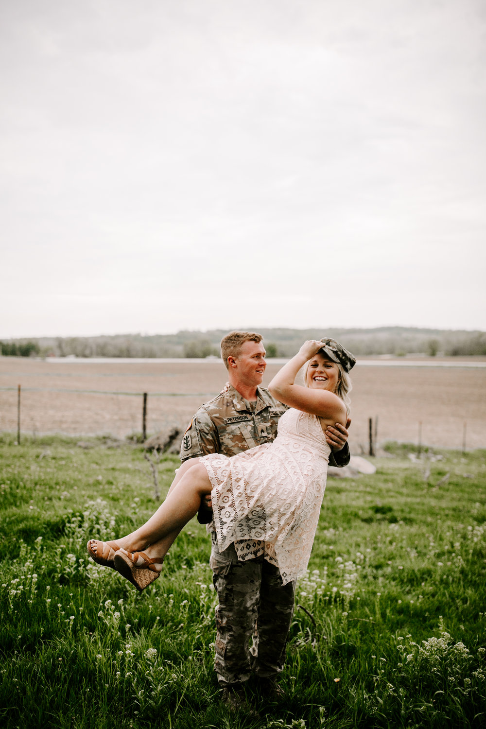 gracetphotography-wedding-photographer-adventure-bride-engagement-27.jpg