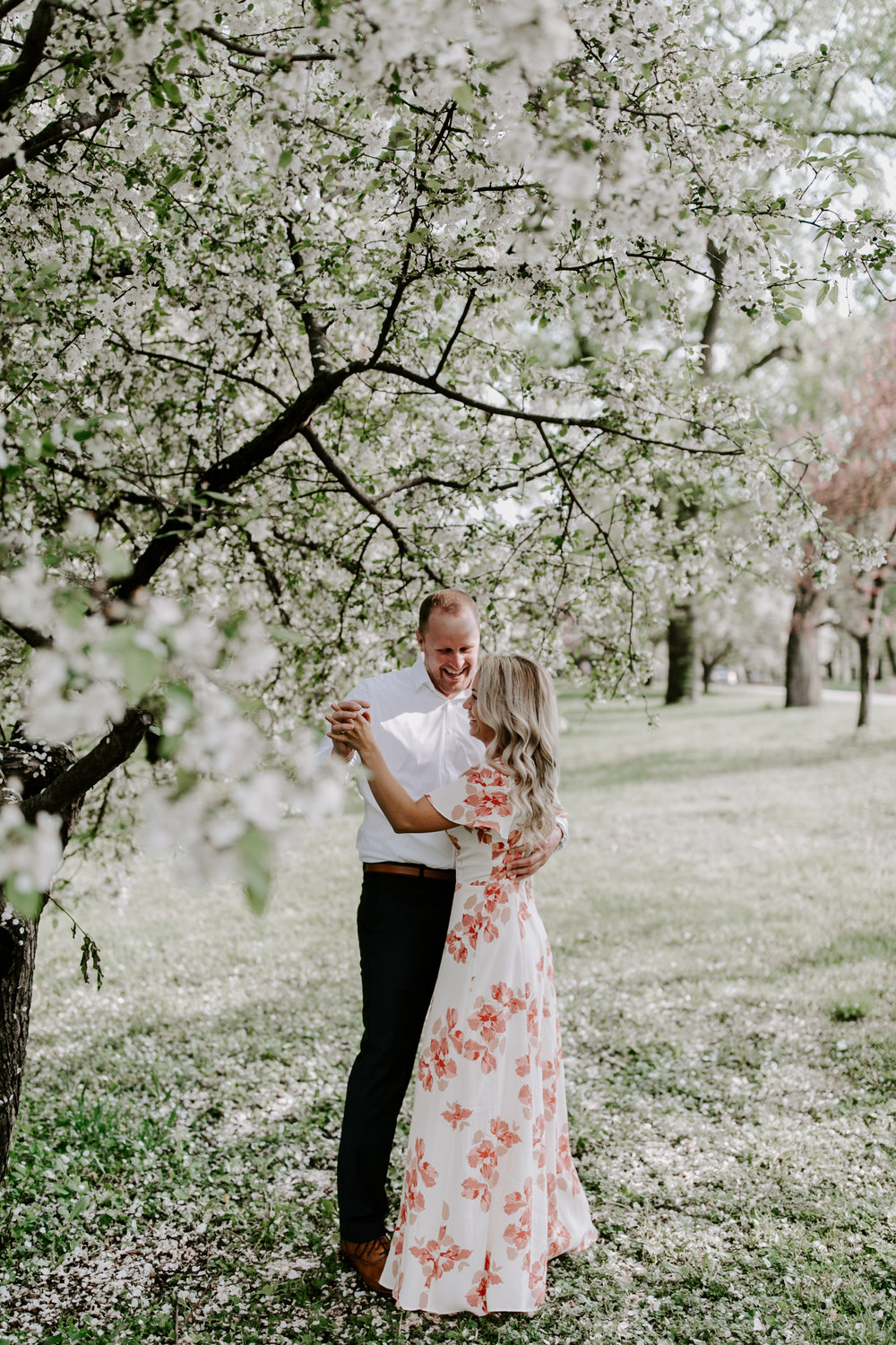 gracetphotography-wedding-photographer-adventure-bride-engagement-midwest-4.jpg