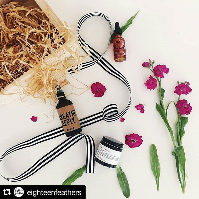 We #LOVE @eighteenfeathers! #gift #giftbox #genius #crafty #shescrafty #flowers #beauty #fan