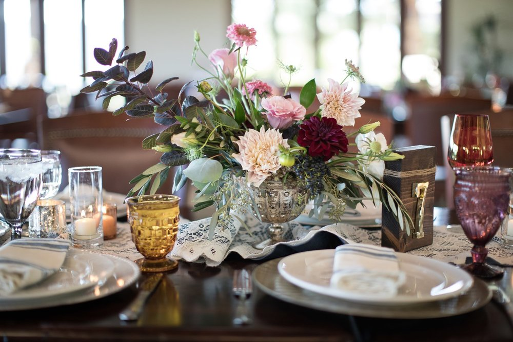 blush + burgundy centerpiece
