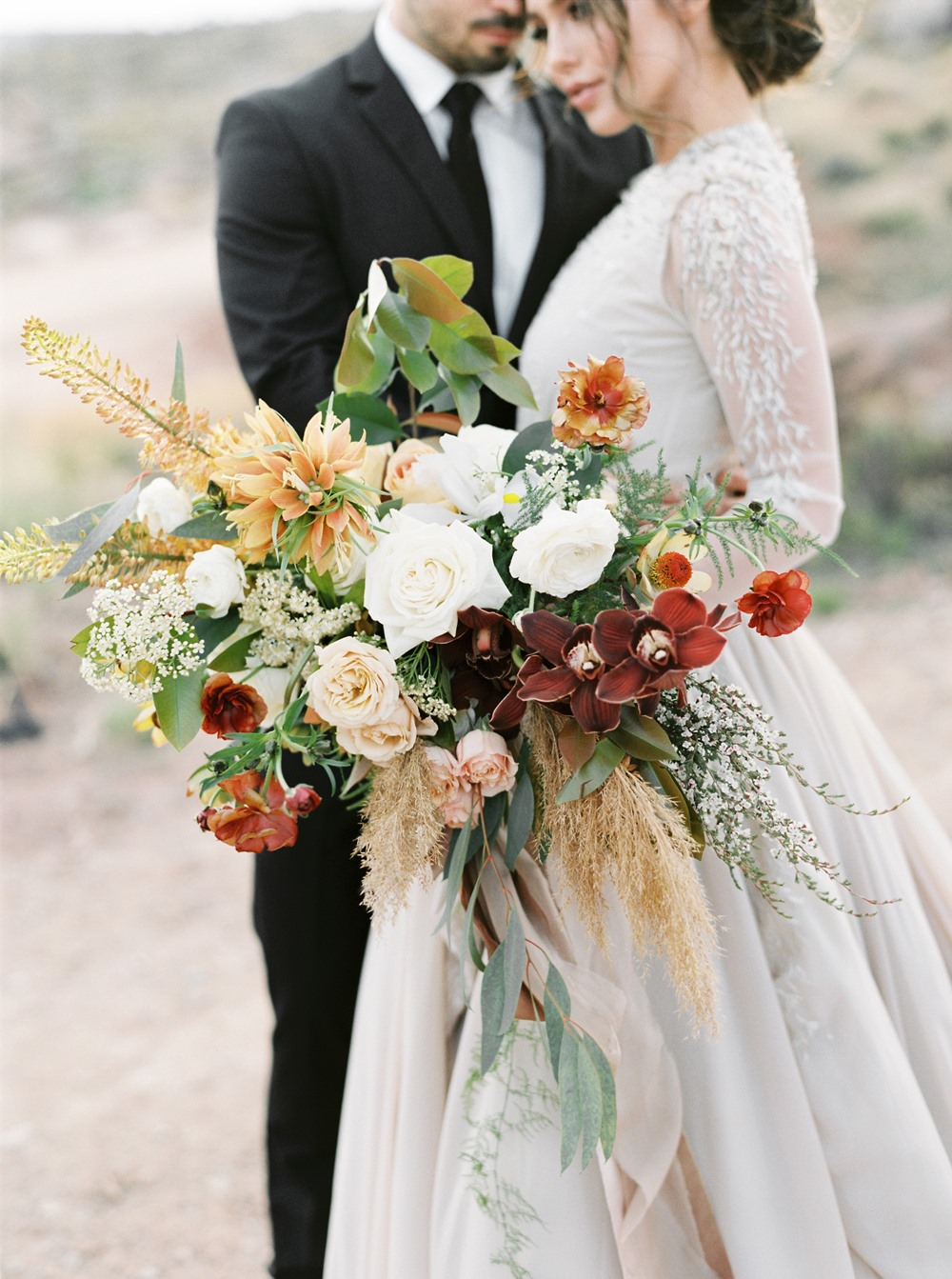 oversized zion inspired bridal bouquet