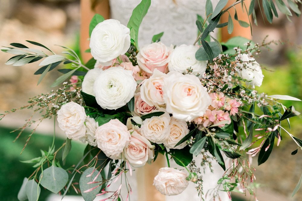 blush, peach, and ivory bridal bouquet