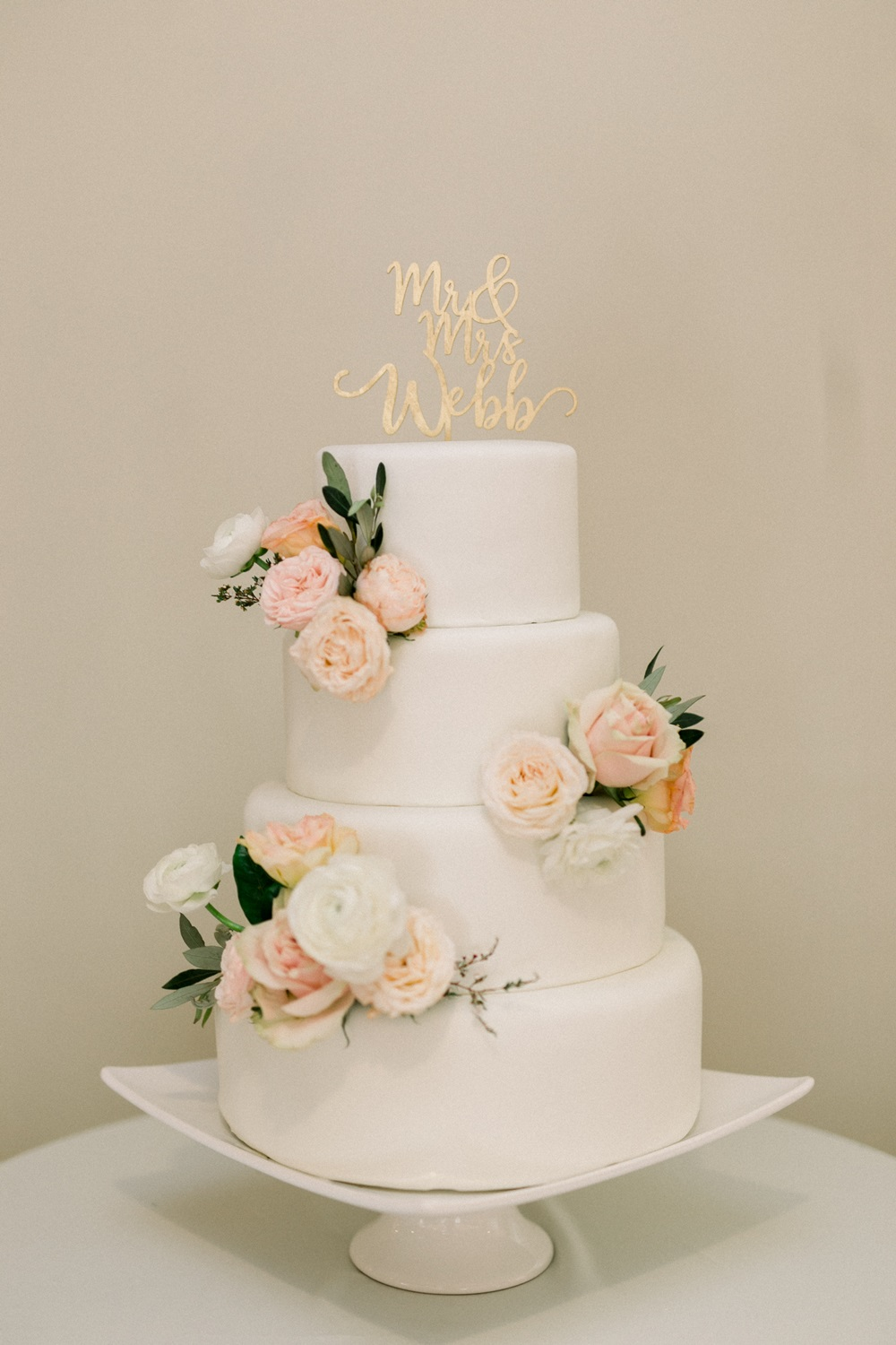 blush + peach cake flowers