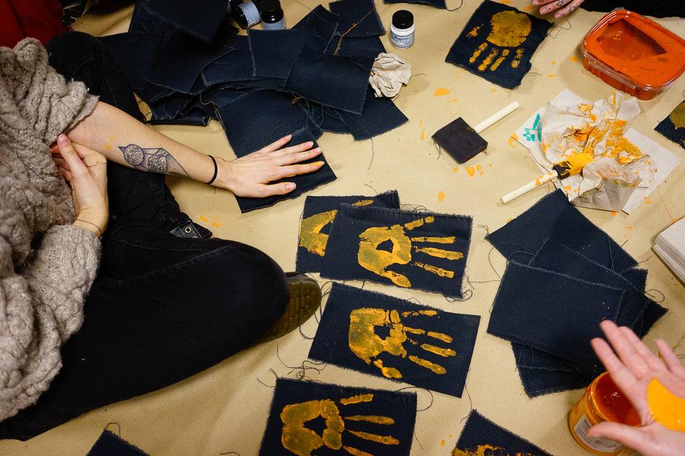 Popular Gureilla Art techniques include linocut, screenprinting, stencils and patch design.