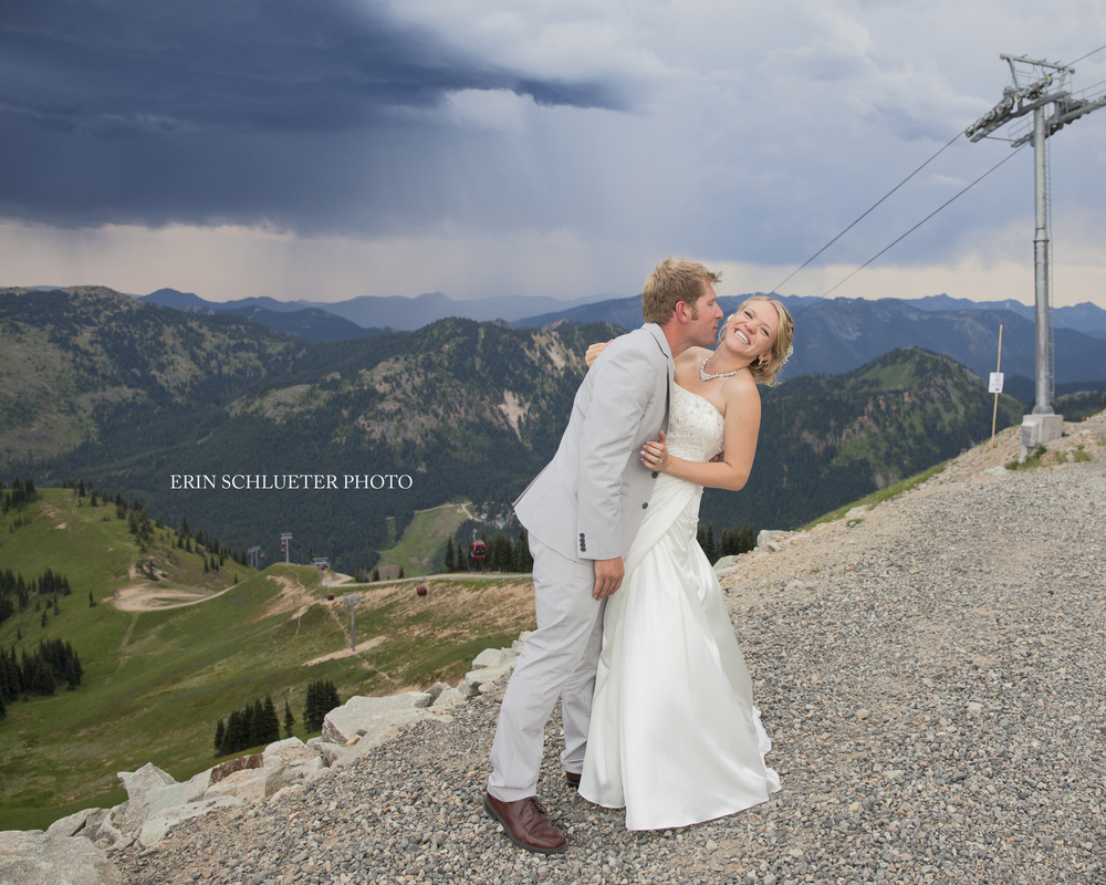 Everything about Anna and Andrew's Crystal Mountain wedding was stunning, and I'm so grateful we had time for some photos on top of the mountain.