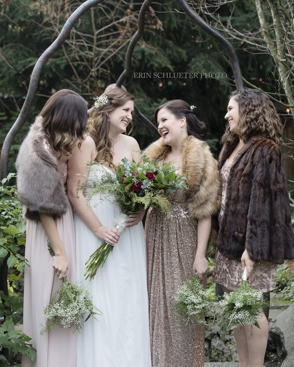 winter_wedding_bridesmaids