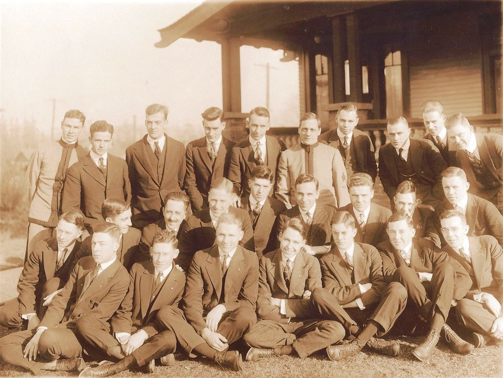 Class Picture 1916 (Theta Chi local)-2.jpg