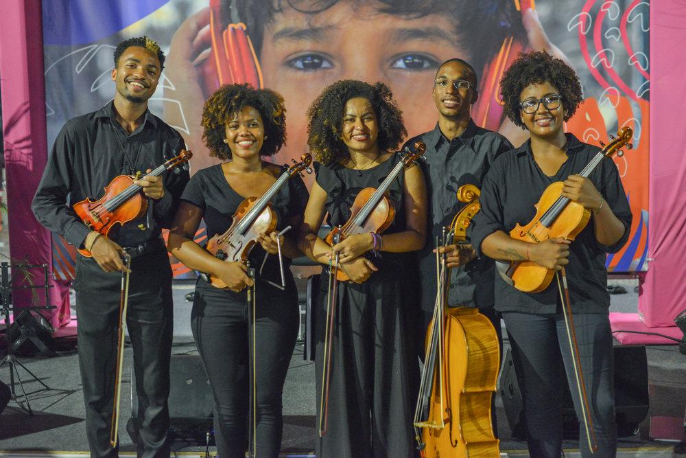 Orquestra de Rua - Gilbert, Juliane, Glaucia, Lucas and Jessica