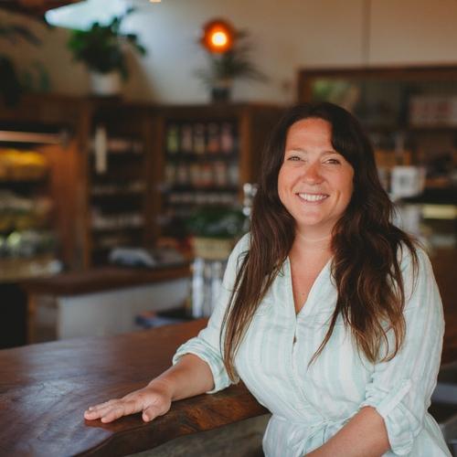Emily Rankin,Local Roots: Farm to Restaurant Distribution