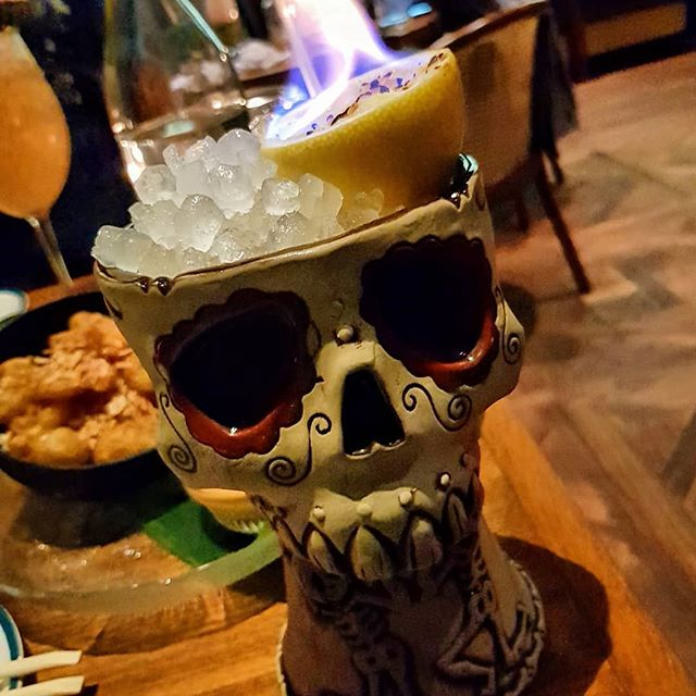 Keeping the tiki 🔥alive.  Fun times, yummy nibbles and festive tipples abound at @thepolynesiantikibar. Was great finally catching up with @betherica for a LONG overdue chat.  #tiki #tikibar #flamingdrinks #cocktails #drinks #funtimes #delicious #deliciouspairings #thepolynesiantikibar #bar #thepod