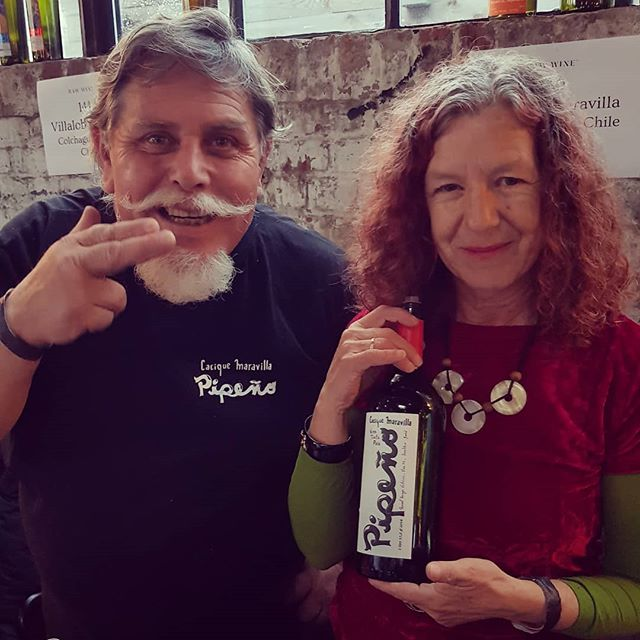 So happy to see the embracing of the Pais grape in Chile. This wine was one of my first exposures to it and I really enjoyed meeting the lovely couple behind it at the Raw Wine fair yesterday.  @vinos_naturales #pais #pepiño #chile #rawwine #heritage #ownyourdifference #naturalwine #pure