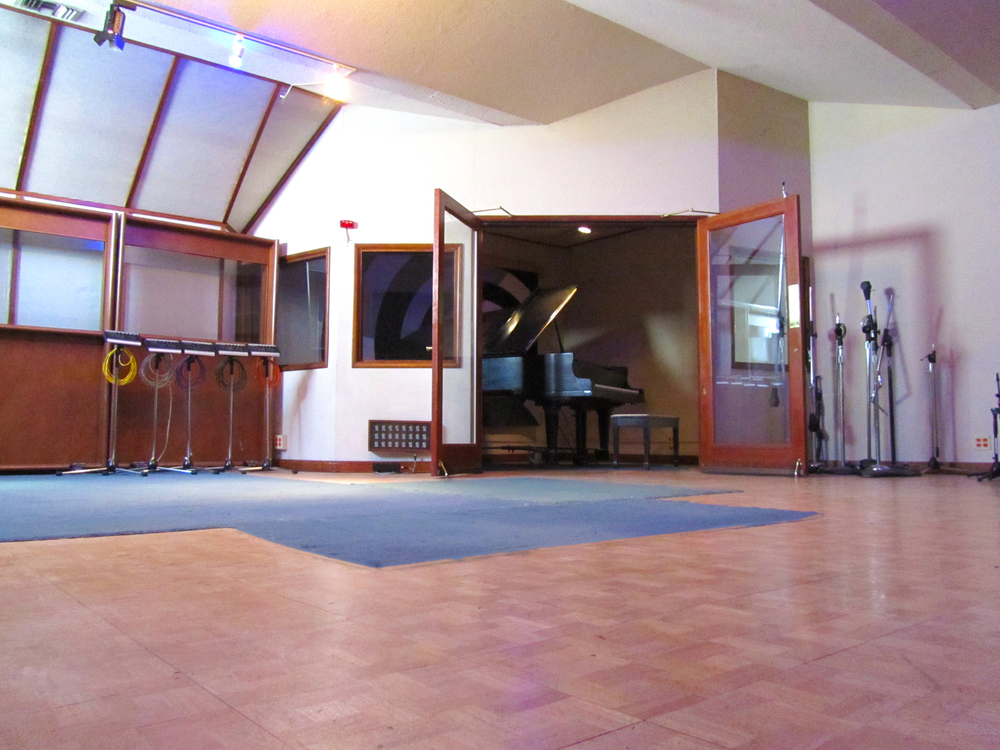 Stagg Street Studio tracking room   - Click to Enlarge