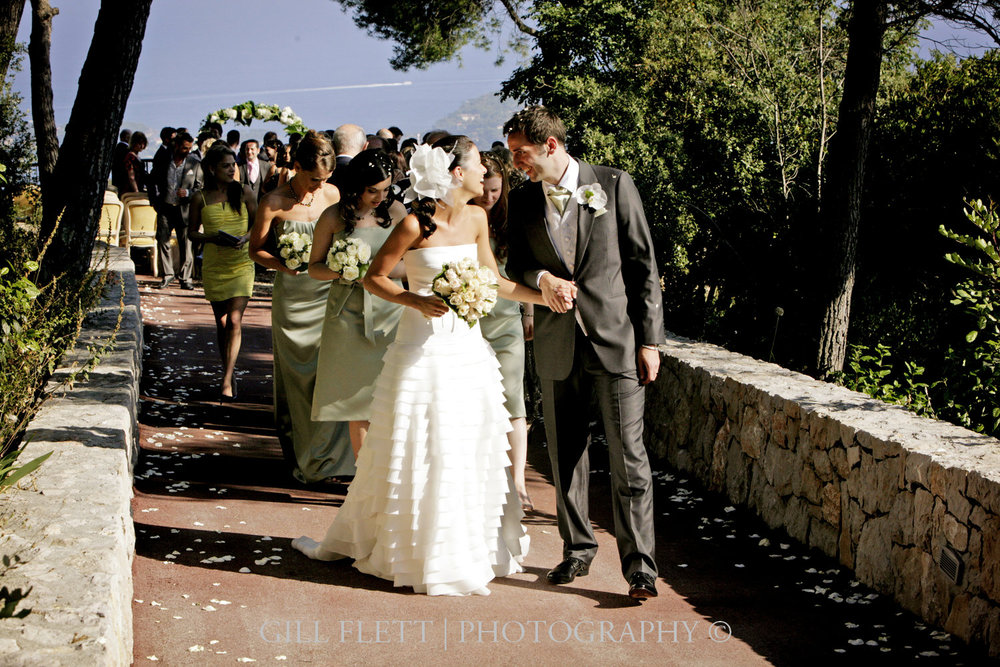 I love going back to this wedding shot at the stunning Domaine du Mont Leuze in the South of France. Lovely Tiffany and Sam had their outdoor wedding on the top of a mountain, overlooking the Cote d'Azur. Stunning.