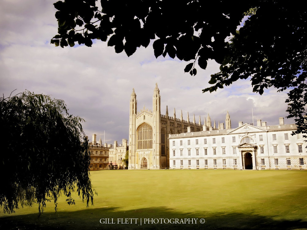 kings-college-cambridgemathamatical-bridge-cambridge-summer-wedding-gill-flett-photo.jpg