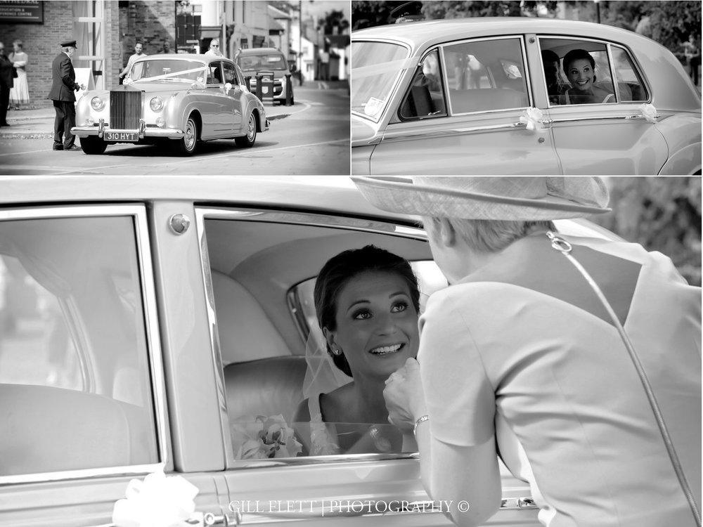 ely-cathedral-brides-arrival-summer-wedding-gill-flett-photo.jpg