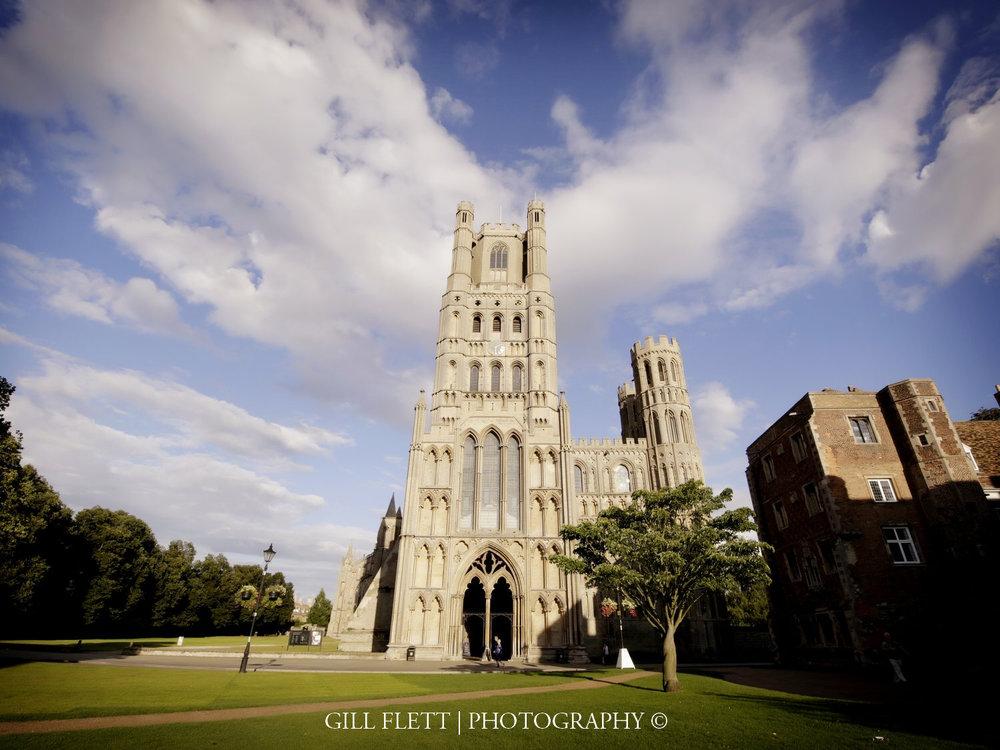 ely-cathedral-exterior-summer-wedding-gill-flett-photo.jpg