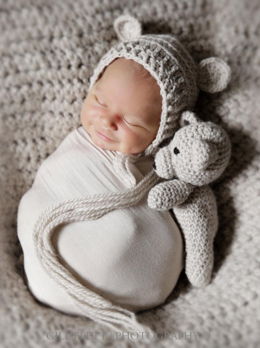 smiling-newborn-teddy-gillflett-london-img_3774.jpg