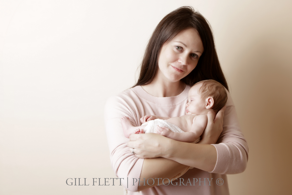 newborn-mother-neutral-gillflett-london.jpg