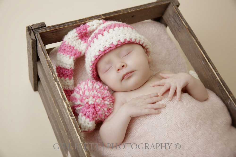 newborn-prop-pink-hat-gillflett-london.jpg