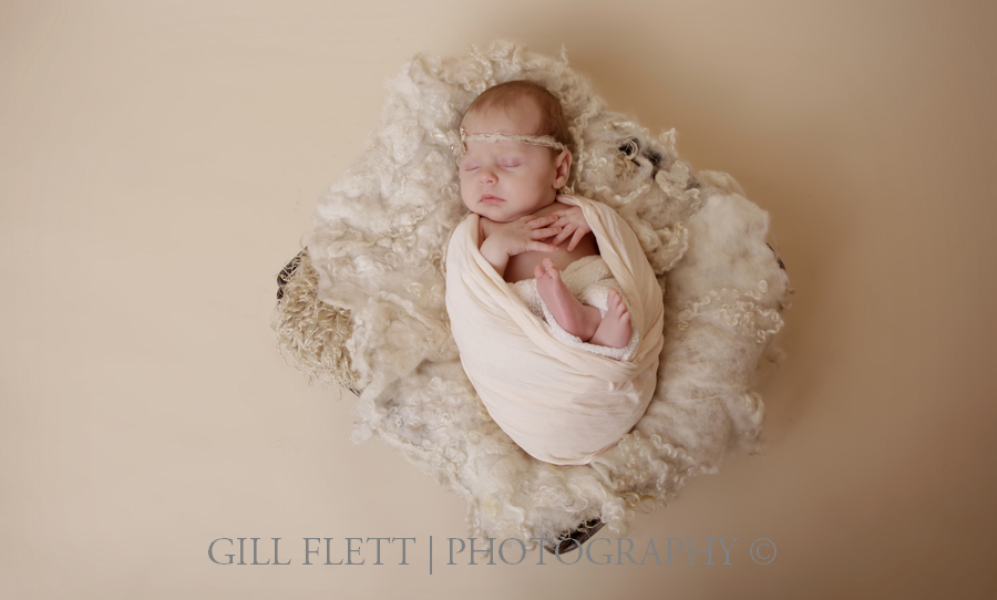 newborn-white-basket-wrap-gillflett-london.jpg