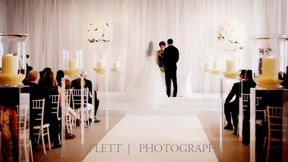white-wedding-vowns-grove-wedding-gillflett-photo_img_0010.jpg