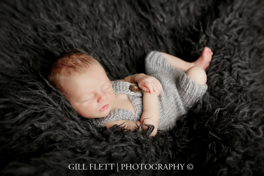 dungaree-grey-newborn-boy-gillflett-photo_img_0018.jpg