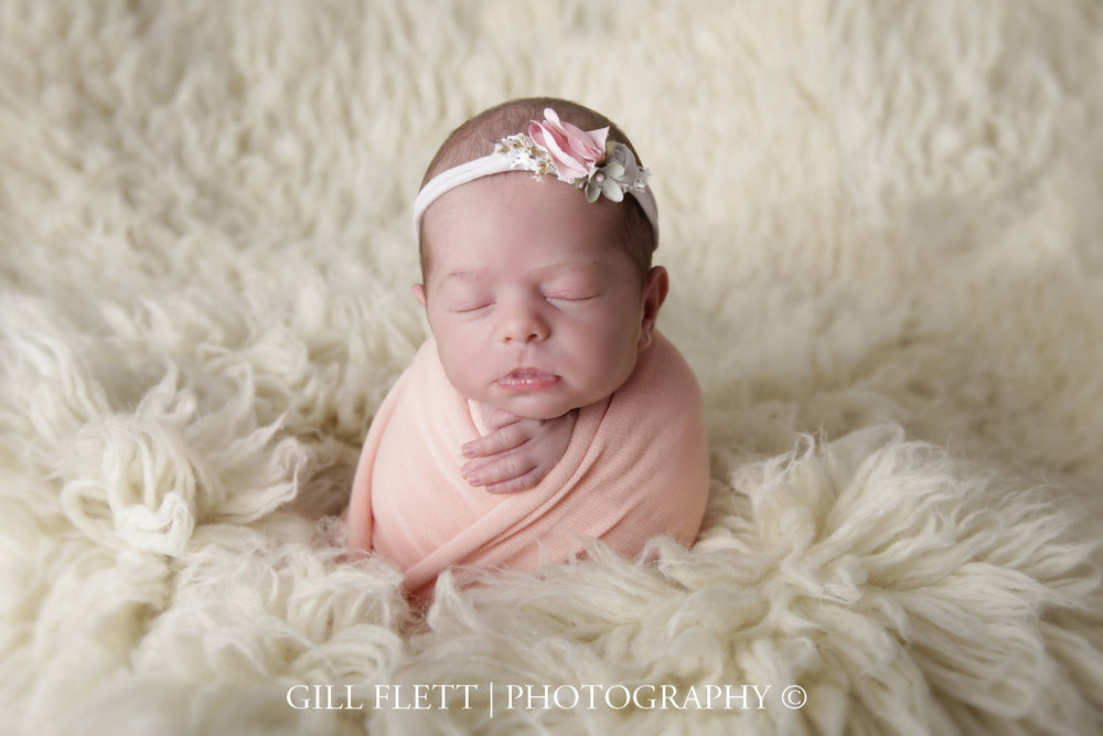 potato-sack-flokati-newborn-girl-gillflett-london_img_0003.jpg