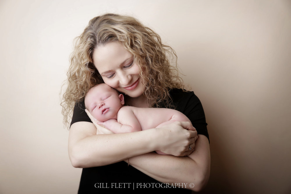 newborn-mother-smiling-gillflett-london_img_2166.jpg