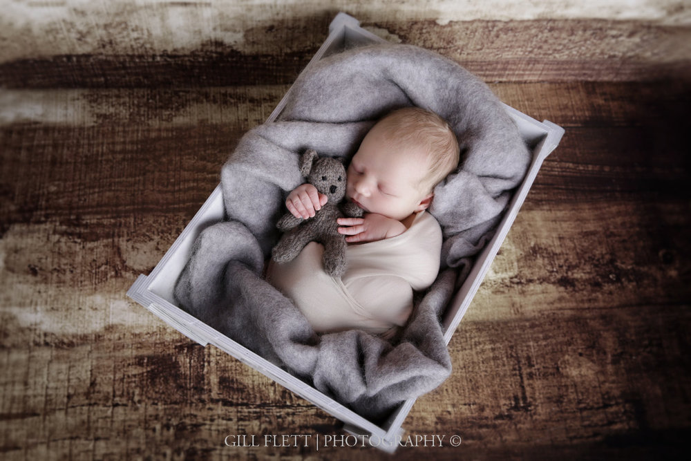 newborn-wrapped-fluff-gillflett-london_img_2203.jpg