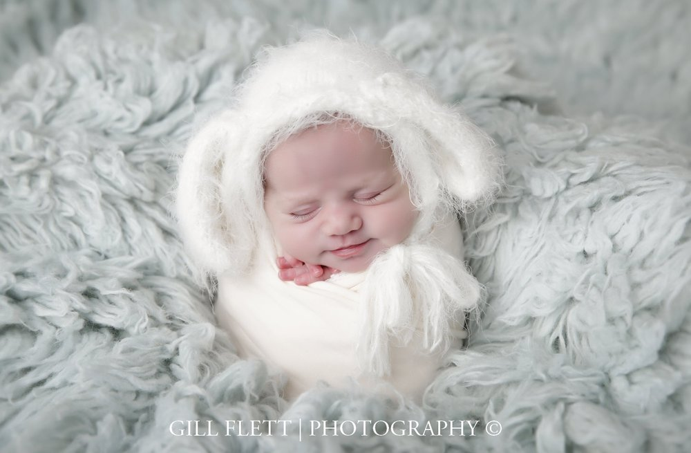 potato-sack-newborn-mint-flokati-easter-bunny-gillflett-photo-london.jpg