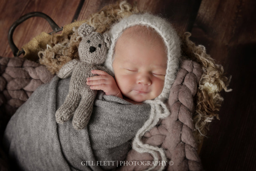surrey-newborn-photographer-newborn-gillflett_IMG_0022.jpg