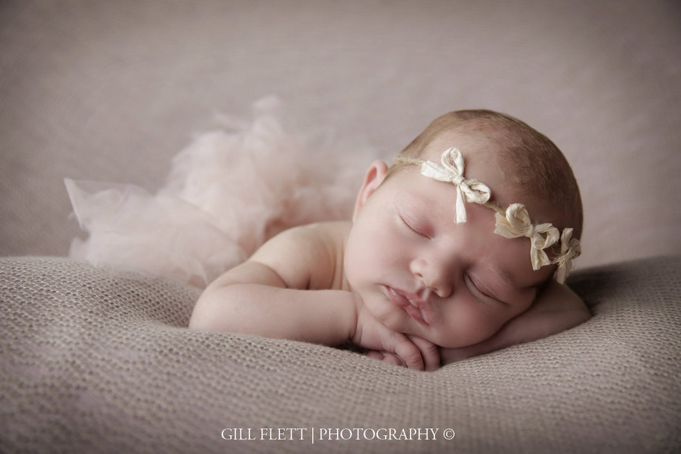 surrey-newborn-photographer-newborn-gillflett_IMG_0001.jpg