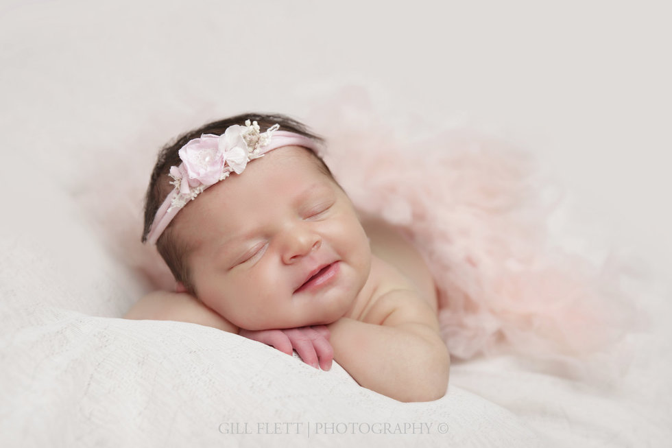 surrey-newborn-photographer-newborn-gillflett_IMG_0007.jpg