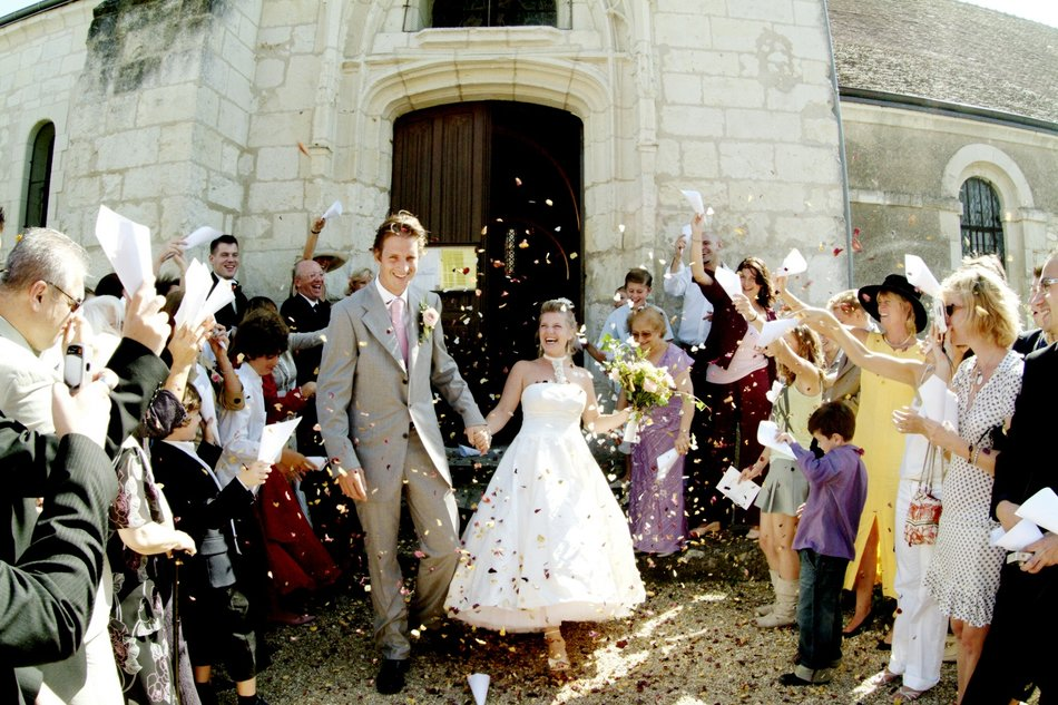 destination wedding photographer confetti france