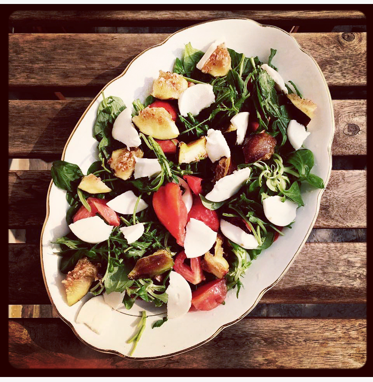 FIG & MOZZARISELLA SPRING SALAD by V-CURIOUS.COM