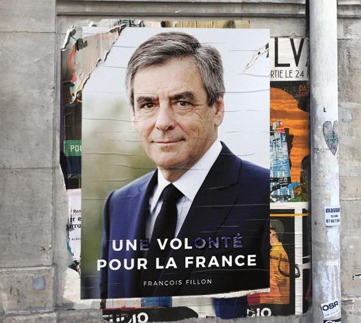"""El slogan original """"Una voluntad para Francia"""", sin las letras rayadas dice """"un robo para Francia"""". Muuuy pertinente."""