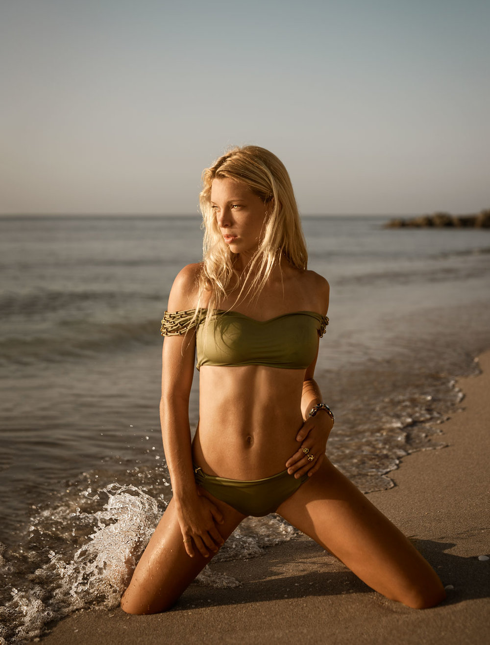 Alexa-March-Beach-i-(1008-of-557)-Edit.jpg