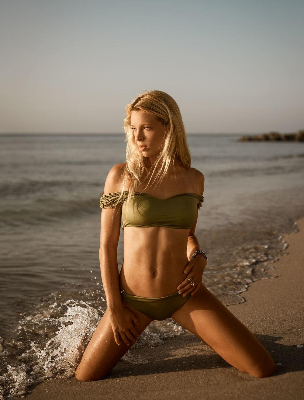 Alexa-March-Beach-i-(1008-of-557)-Edit.jpg