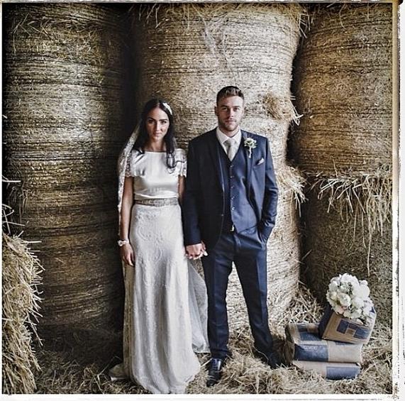 Beautiful  #charliebrear    #bride    @elaineg6  Elaine and Brad      Photo credit  @gillianhiggins