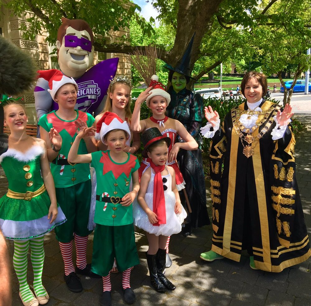 Our very own CREW ELVES preparing for the Christmas Pageant 2016 with the Lord Mayor!