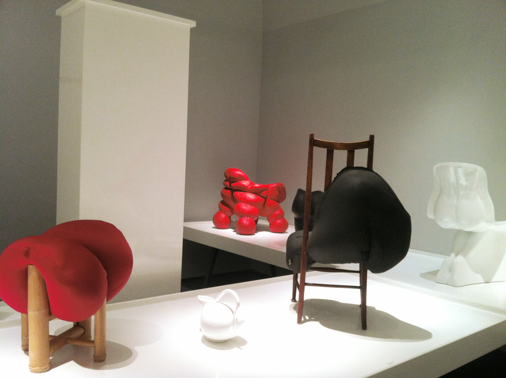 Black  Hybreed  chair next to Ching-ting Hsu's Bamboo  Squeeze  stool and Fabio Novembre's  Him  chair
