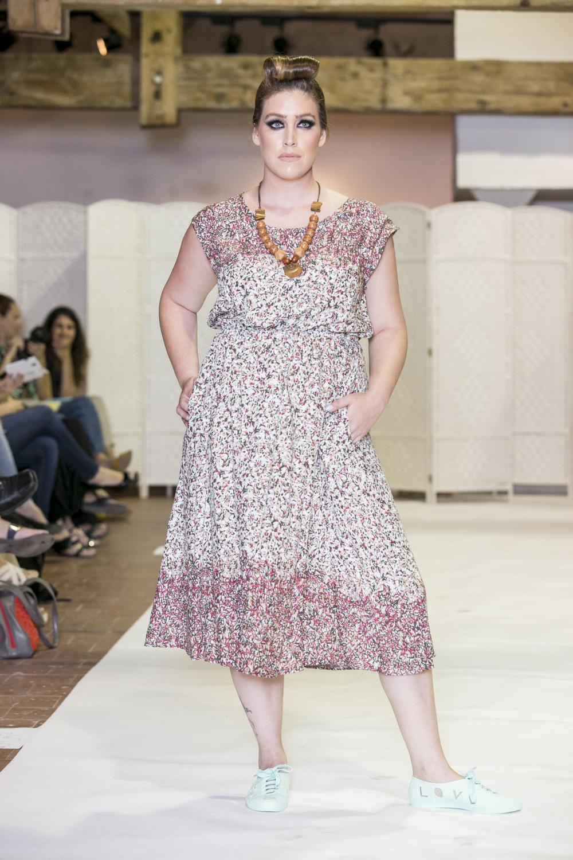 גאלה סטייל - צילום לם וליץ סטודיו_דוגמנית לין לאור לובשת טליה.JPG