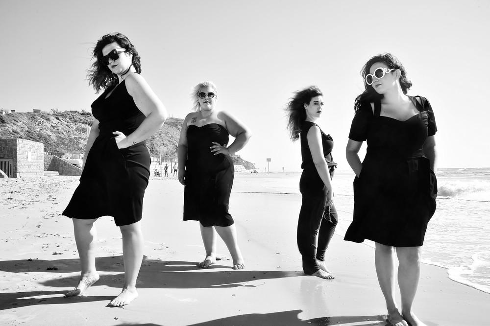 יפה בכל צורה אירוע האופנה של גאלה. צילום איתן טל. לובשות נומה, סו סימפל, צילה, דרגונפליי, טליה (Copy).jpg