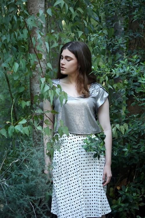 חצאית וחולצה של טליה
