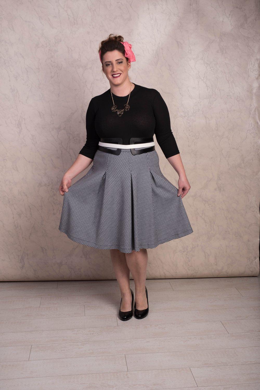 מותג האופנה AYE חצאית 299 שח במקום 375, חולצה 199 שח במקום 250 צילום פזית עוז.jpg