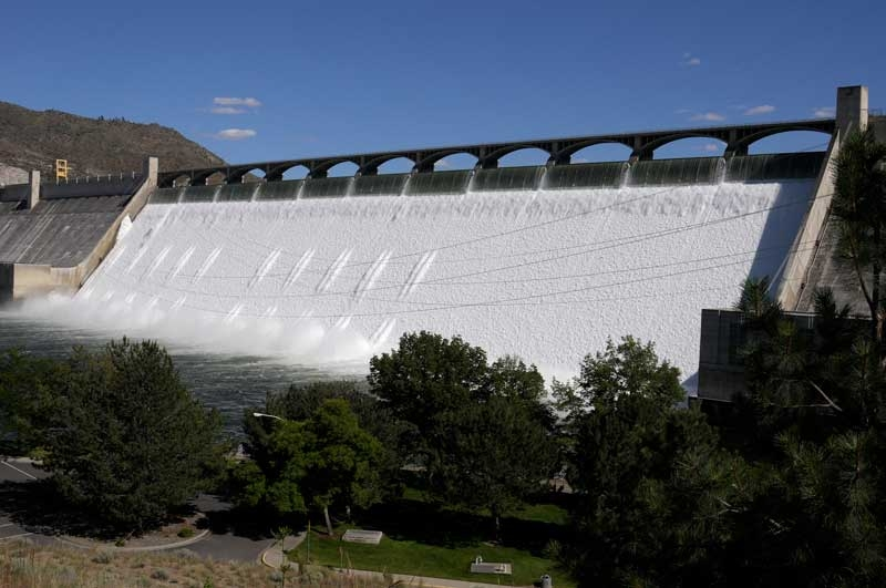 06.26.11 Spill Grand Coulee Dam.JPG