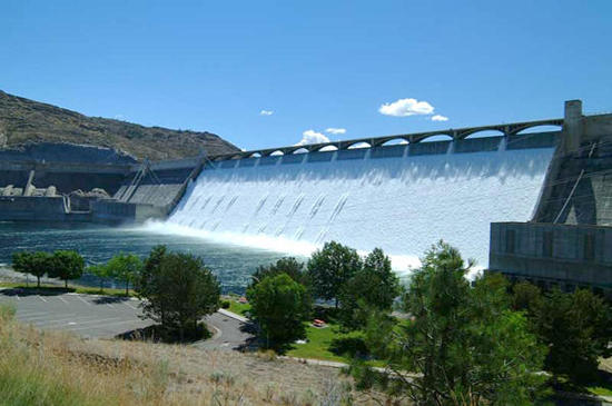 Grand-Coulee-Dam-in-the-United-States.jpg
