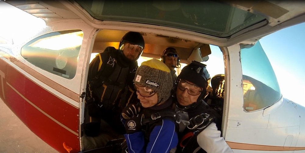 Skydivers ready for freefall