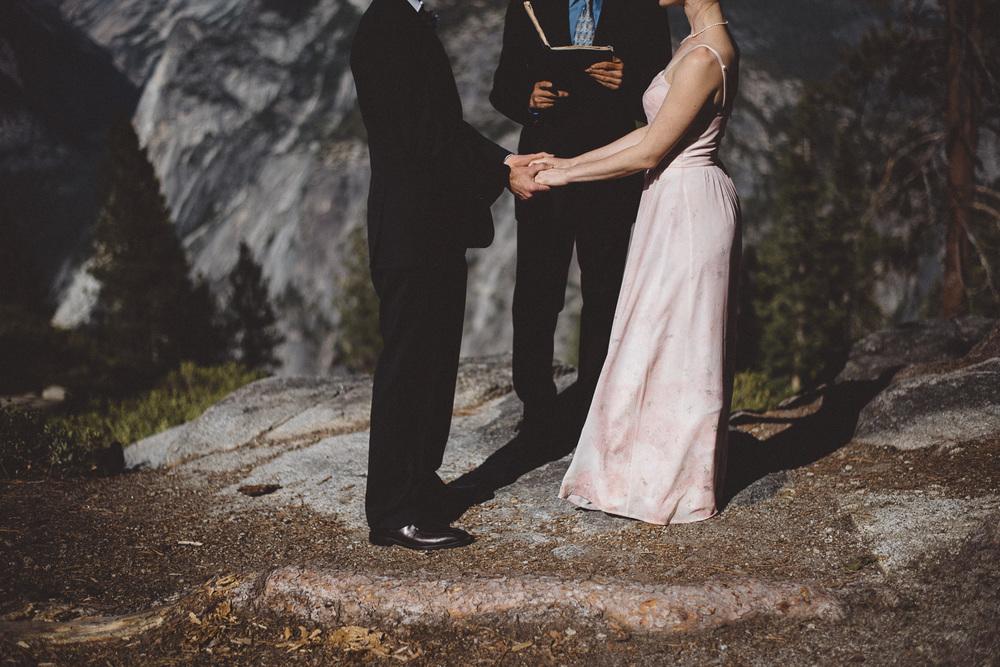 Inna_Alex_Yosemite_Elopement-3989.jpg